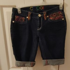 NWOT COOGI Women's Jeans Shorts. Size 9/10. 15 1/2